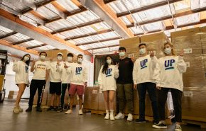 Daniel Rice, Marshall alumnus and colleagues donate masks to USC